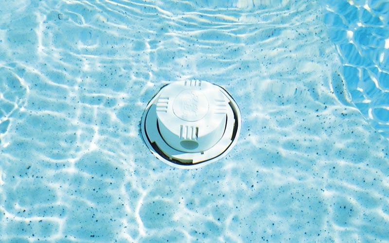 Nettoyeur de piscine polyester Graf